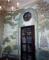 Граффито на стенах и потолках