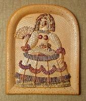 Дама с веером (керамика, глазури, люстры)